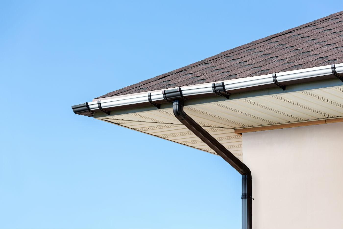 Oświetlenie W Podbitce Dachowej Praca Dekarza