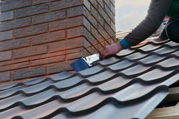 Uszczelnianie komina na dachu